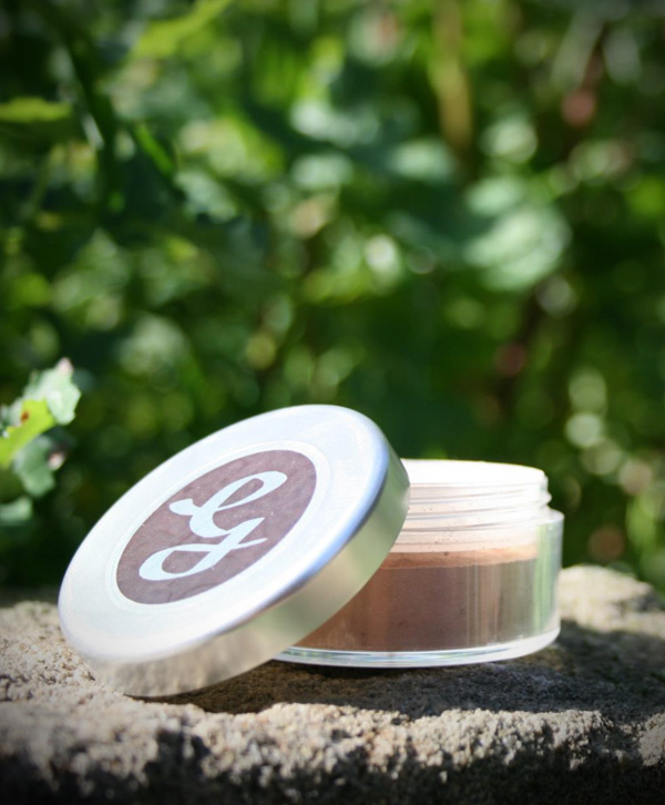 Pure Mineral Foundation